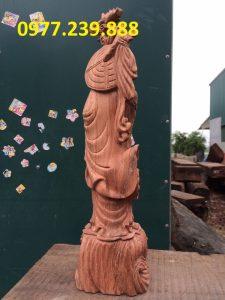 Đạt ma đứng tùng gỗ hương đá