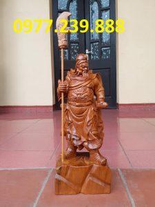 Quan công chống đao gỗ hương cao 50cm