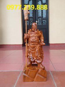 Tượng Quan Vân Trường bằng gỗ bách xanh