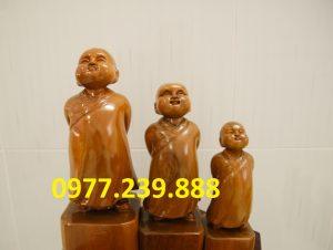 bán tượng gỗ vạn sự tùy duyên bằng gỗ bách xanh