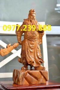 tượng quan công bằng gỗ bách xanh