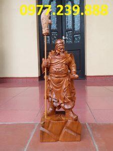 tượng quan công chống đao gỗ bách xanh cao 30cm