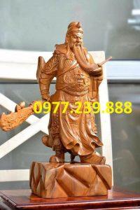 tượng quan công gỗ bách xanh xách đao