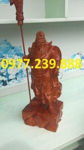 tuong phong thuy quan cong bang go huong 50cm