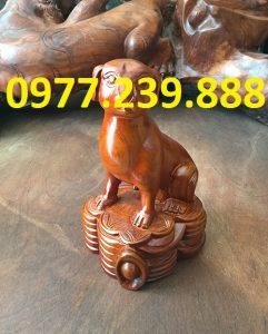 bán tượng chó bằng gỗ hương đỏ