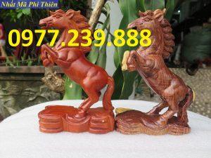 bán tượng ngựa gỗ hương