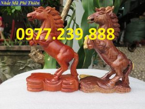 bán tượng ngựa gỗ hương nam phi