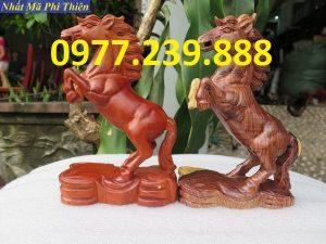 bán tượng ngựa gỗ hương ta