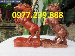bán tượng ngựa gỗ hương việt
