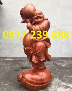 bán tượng phật di lặc vác đào bằng gỗ hương 50cm