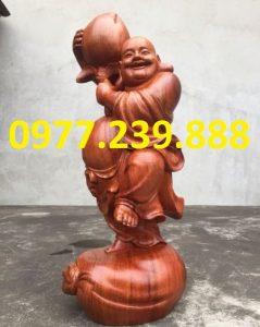 bán tượng phật di lặc vác đào bằng gỗ hương 60cm