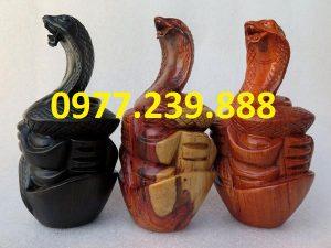 bán tượng rắn bằng gỗ