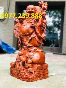 phật di lặc gánh cành đào bằng gỗ hương 40cm