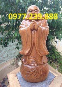 tượng chúc phúc bằng gỗ bách xanh 50cm
