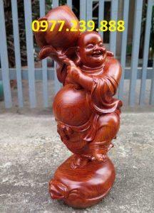 tượng di lạc vác đào bằng gỗ hương 30cm