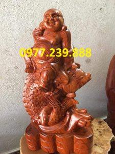 tượng di lặc cưỡi cá chép bằng gỗ hương 50cm