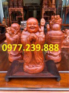 tượng di lặc chúc phúc bằng gỗ hương đá