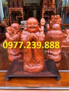tượng di lặc chúc phúc bằng gỗ hương 30cm
