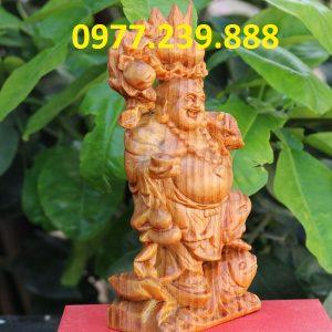 tượng di lặc gánh đào gỗ huyết long 40cm