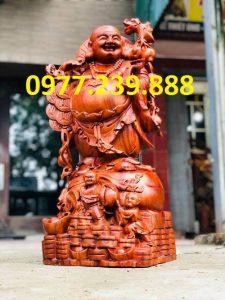 tượng di lặc gánh cành đào bằng hương 40cm