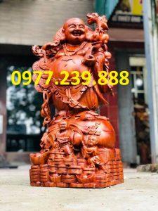 tượng di lặc gánh cành đào bằng hương 60cm