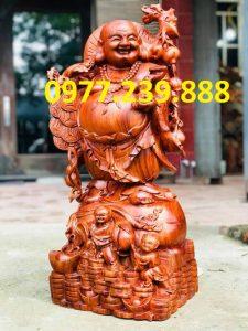 tượng di lặc gánh cành đào gỗ hương 30cm