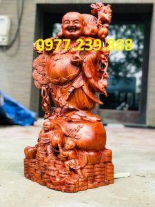 tượng di lặc gánh cành đào gỗ hương 50cm
