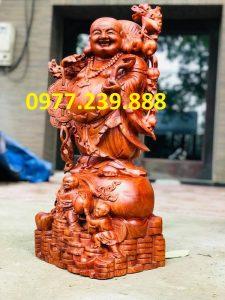 tượng di lặc gánh cành đào gỗ hương 60cm