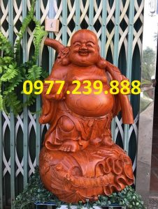 tượng di lặc gánh cành đào hương cao 50cm