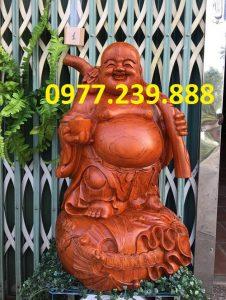tượng di lặc gánh tiền gỗ hương 50cm