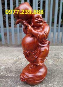 tượng di lặc vác đào bằng gỗ hương đỏ