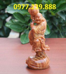 tượng di lặc vác đào gỗ 50cm