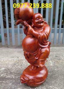 tượng di lặc vác đào gỗ hương đá