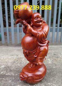 tượng di lặc vác đào gỗ hương 50cm