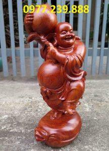 tượng di lặc vác đào gỗ hương 60cm