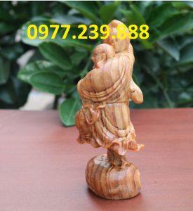 tượng di lặc vác đào gỗ huyết long 30cm