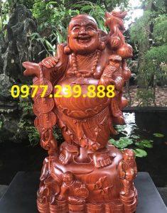 tượng di lặc vách cành đào bằng gỗ hương