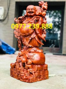 tượng di lặc vách cành đào bằng gỗ hương 30cm