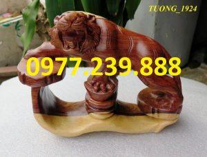 tượng hổ bằng gỗ trắc dây dài 20cm