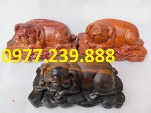 tượng heo bằng gỗ hương đá