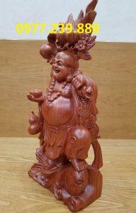 tượng phật di lặc gánh đào cưỡi cá chép bằng gỗ hương lào