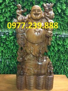 tượng phật di lặc gánh tiền bằng gỗ bách xanh 40cm