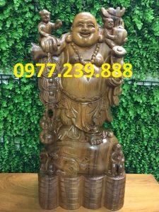 tượng phật di lặc gánh tiền bằng gỗ bách xanh 60cm