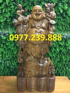 tượng phật di lặc gánh tiền gỗ bách xanh 40cm