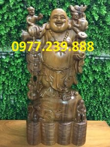 tượng phật di lặc gánh tiền gỗ bách xanh 50cm