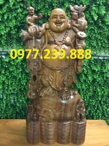 tượng phật di lặc gánh tiền gỗ bách xanh 60cm