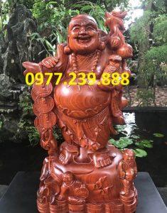 tượng phật di lặc gánh tiền gỗ hương 30cm