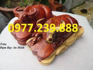tượng trâu bằng gỗ hương đá