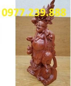 tuong di lac ganh dao cuoi ca chep bang go huong 30cm