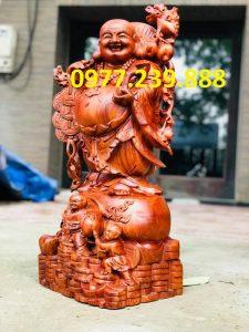 tuong di lac ganh tien bang go huong
